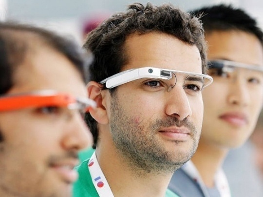 Wearable Gadgets: Struggle Between Form and Function