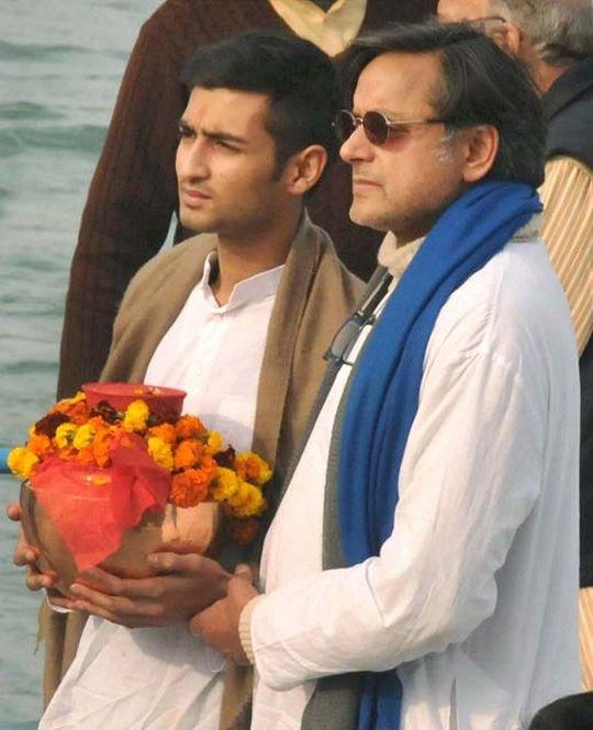 Sunanda Pushkar's Son And Tharoor