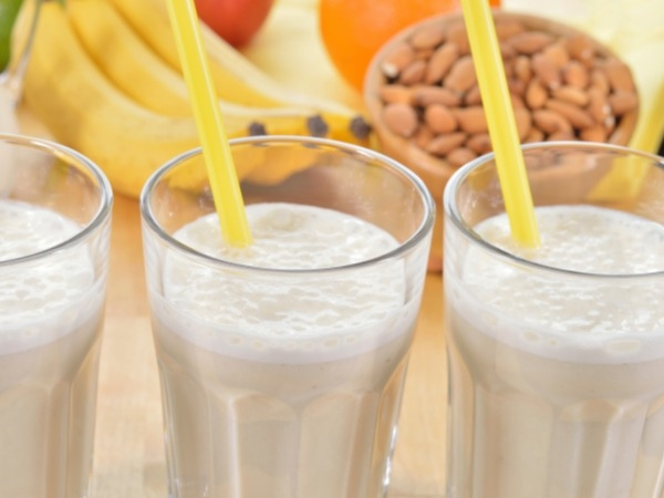 Almond And Banana Smoothie Recipe For Breakfast
