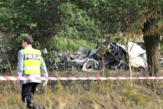11 Die in Plane Crash at Poland Parachute Club