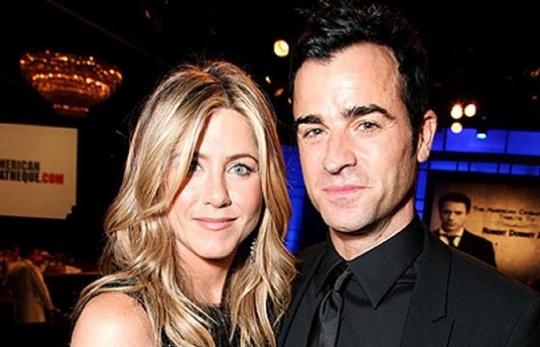 Aniston Calls Beau Theroux 'Beautiful'