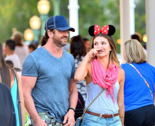 Gerard Butler Spotted With Mystery Woman