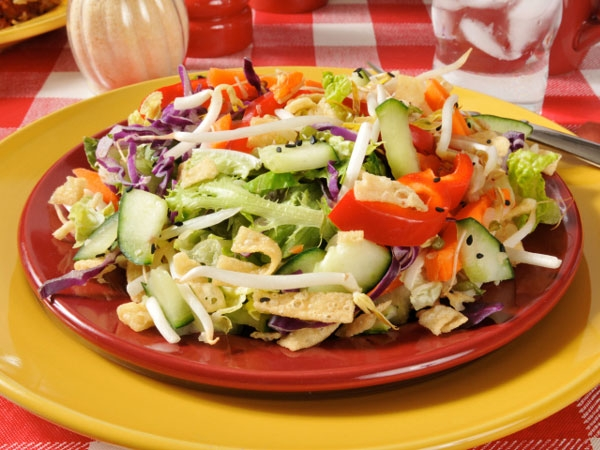 Healthy Salad Recipe: Lettuce And Bean Sprouts Salad