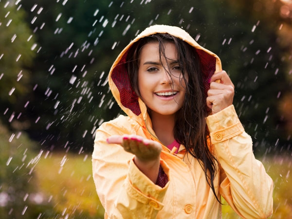 Why You Shouldn't Ditch The Sunscreen In Monsoon?