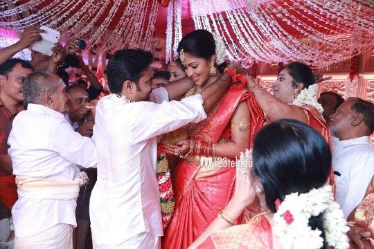 Vijay and Amala Paul Tie the Knot