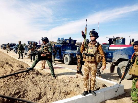 Sunni Militants Seize 2 Border Crossings