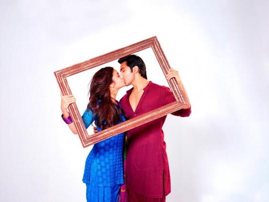 Alia Bhatt and Varun Dhawan in Humpty Sharma Ki Dulhania
