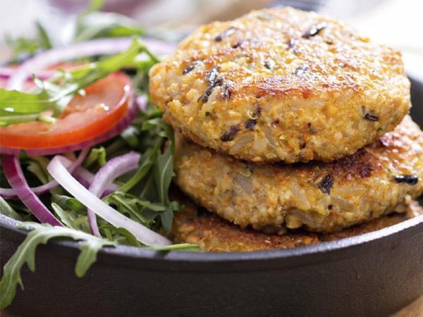 Healthy Recipe: Oats Tikki With Healthy Green Chutney