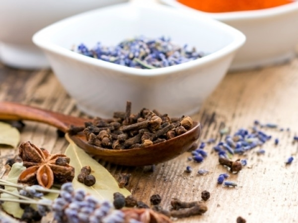 Healthy Foods: 10 Ways To Use Cloves For Good Health