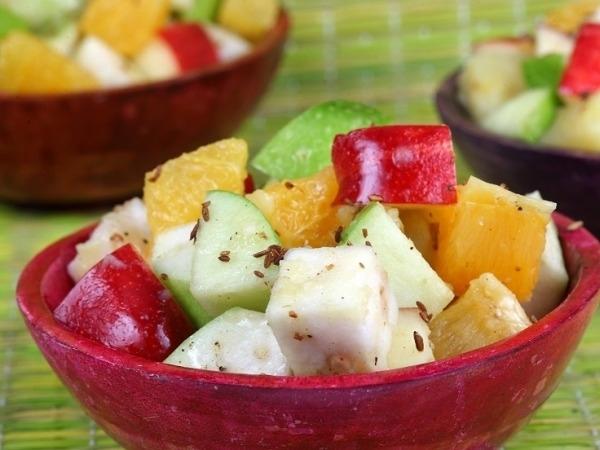 Healthy Salad Recipe: Delhi Fruit Chaat With Canola Oil Dressing