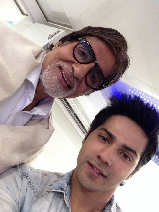 Varun Dhawan's special moment with Big B!!