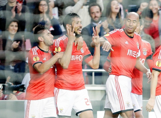 Benfica Survive Scare to Reach Last Eight