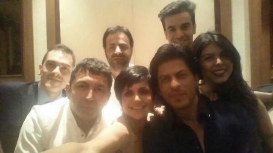Shah Rukh Khan joined his Bollywood colleagues Mandira Bedi, Kunal Kohli, Tarun Mansukhani, Punit Malhotra and Tanaz Bhatia