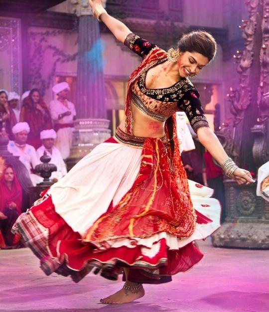 Deepika Padukone loves Holi