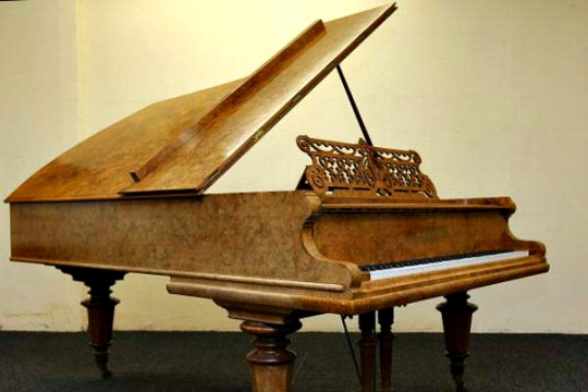 Beatles' 'Yesterday' Piano to be Auctioned