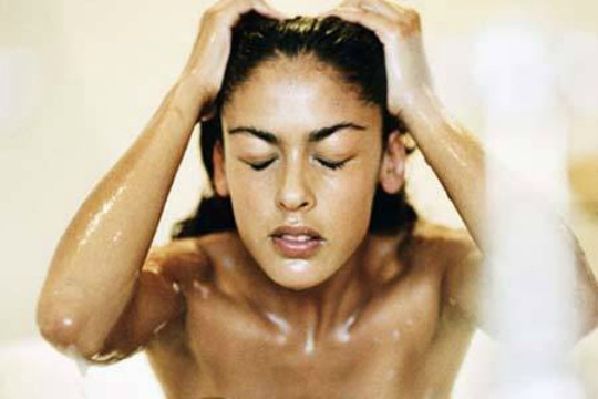 Home Remedies to Cure Dandruff