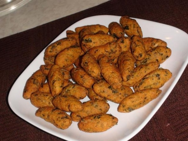 Healthy Snack Recipe: Baked Methi Muthhia