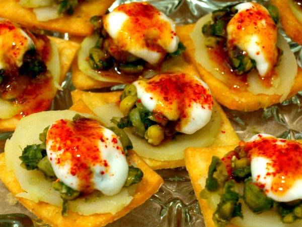 Healthy Snack Recipe: Green Tofu Patra Chaat With Herbal Buttermilk