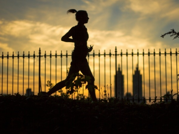 Night-Time Running: Tips, Pros & Cons