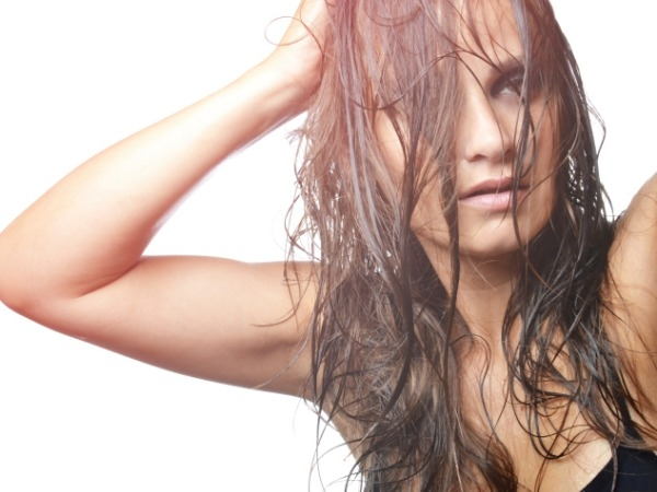 Fight Sweaty Hair Smell Naturally