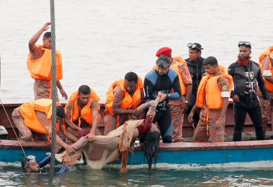 Bangladesh Ferry Sinking: 22 Killed