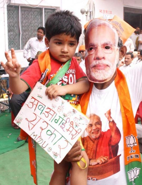 India cleberates Modi's victory