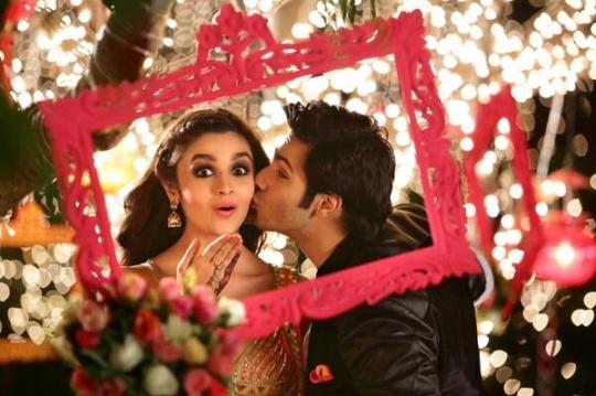 Varun Dhawan and Alia Bhatt in Humpty Sharma Ki Dulhania