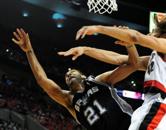 Spurs Win To Push Trail Blazers To Brink