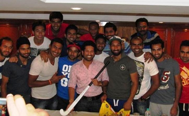 Sachin with the hockey team