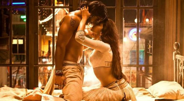 Ranveer kiss with Deepika