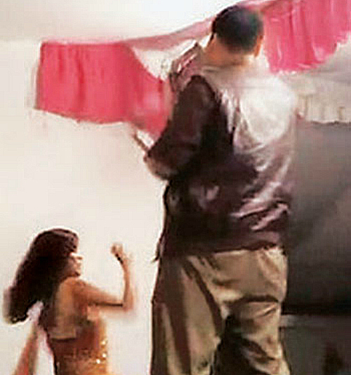 UP cop drunk holding girl at gunpoint