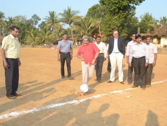 Manohar Parrikar playing football