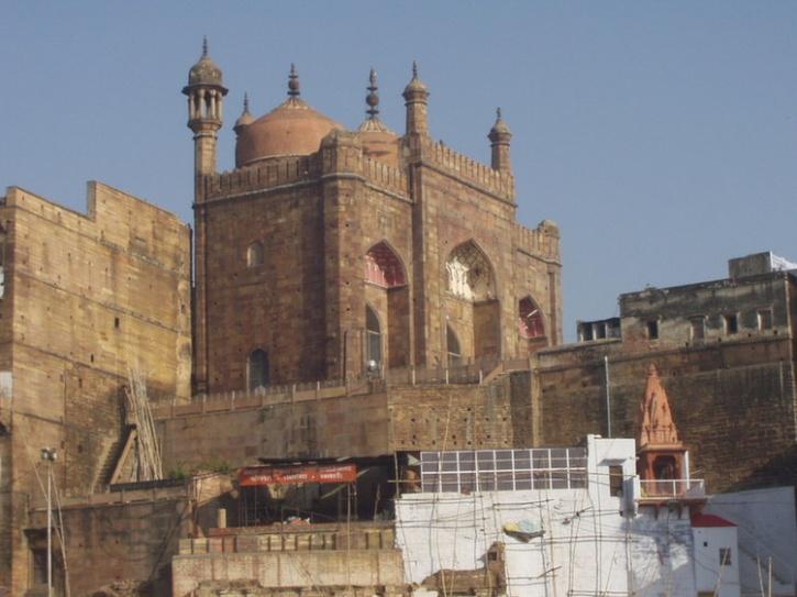 Aurangzeb Mosque