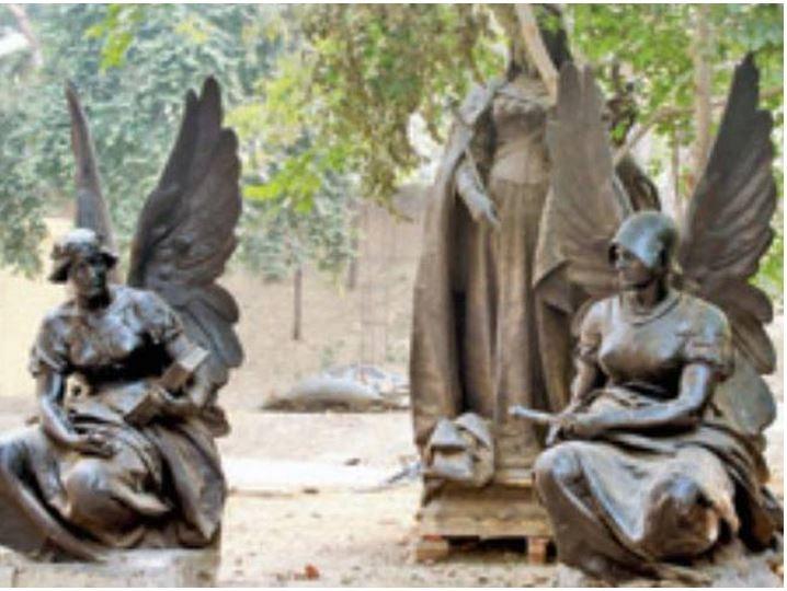 Victoria statues agra
