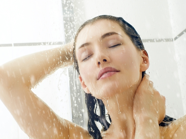 Why Cold Showers Are Better For Your Skin And Hair
