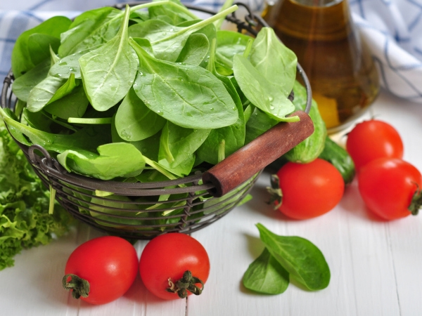 Healthy Recipe: Stuffed Spinach Leaves In Tomato Gravy