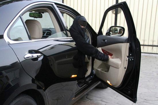 Saudi women posting photos of driving