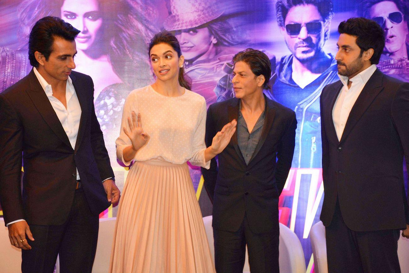 Deepika Padukone with Sonu Sood, Shah Rukh Khan and Abhishek Bachchan