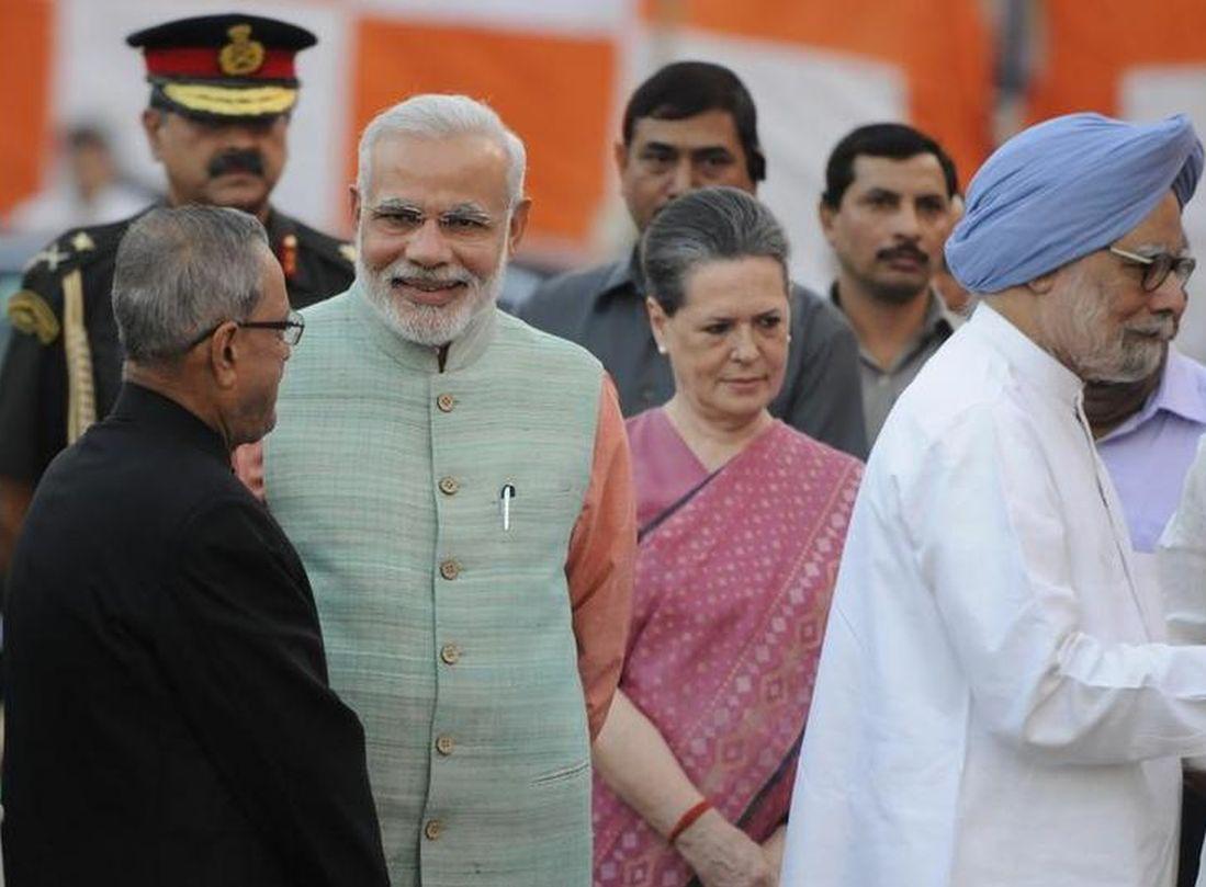 Prime Minister Narendra Modi, President Pranab Mukherjee, Congress president Sonia Gandhi and former prime minister Manmohan Singh during Dussehra celebrations