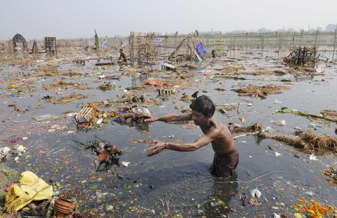 Yamuna River polluted after Durga Puja immersions