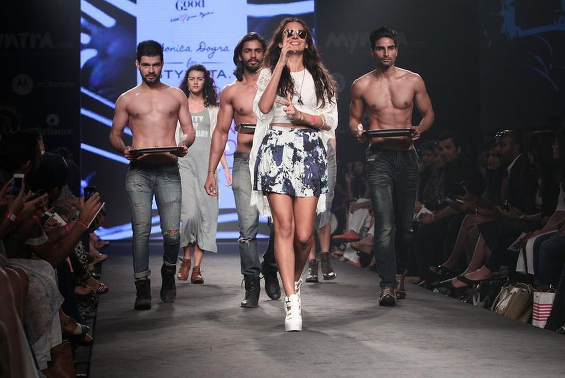 Monica Dogra walks the runway during day 1 of Myntra Fashion Weekend 2014