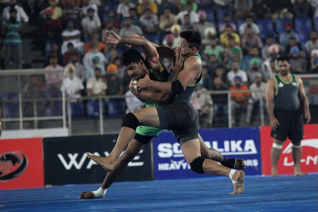 Lahore Lions compete against Royal Kings USA during the 2014 World Kabaddi league tournament