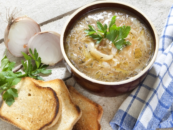 Healthy Recipe: Onion And Thyme Soup