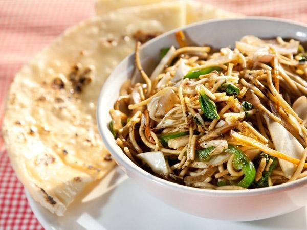 Chapati Masala Noodles Recipe (100 Calorie Snack)