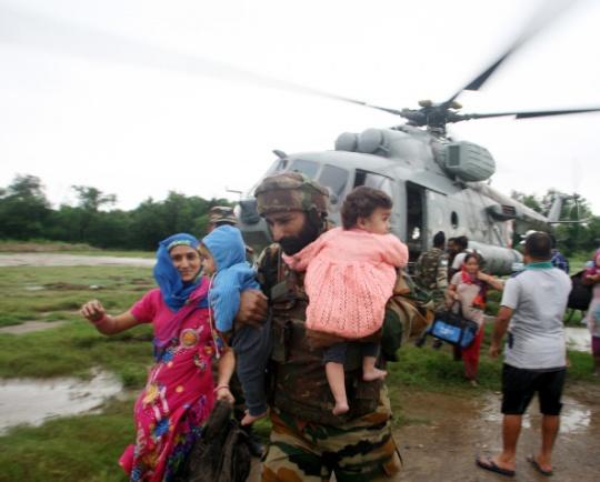 Over 76,500 Evacuated in Flood-Hit Kashmir