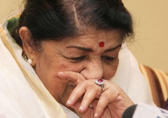 Lata Mangeshkar mourns