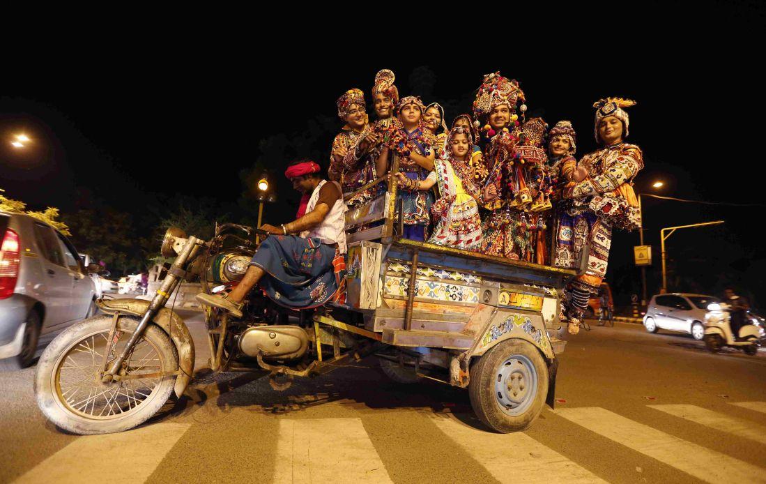 Dancers on their way to perform Dandiya