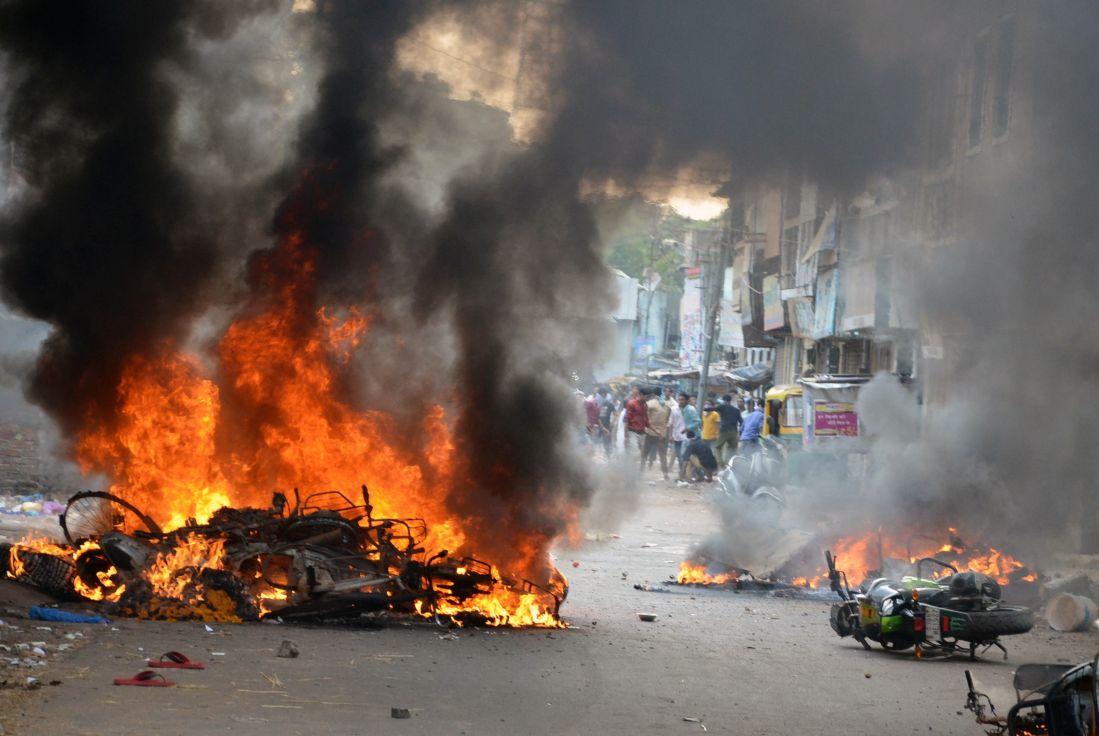 Communal clash in Vadodara