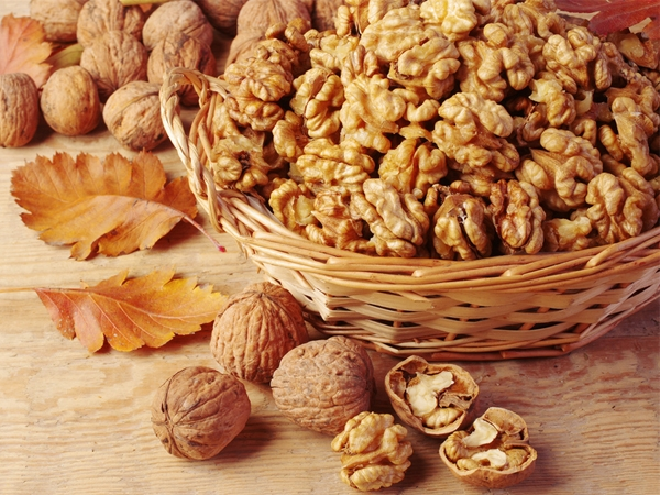 Reasons To Eat Walnuts Every Day
