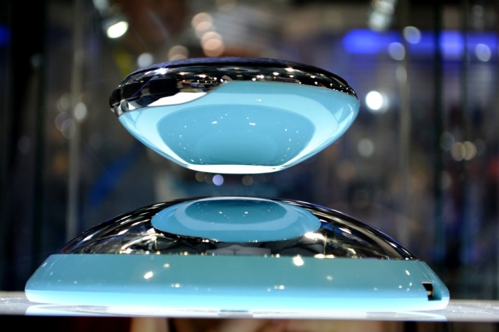 Air 2 Floating Speakers